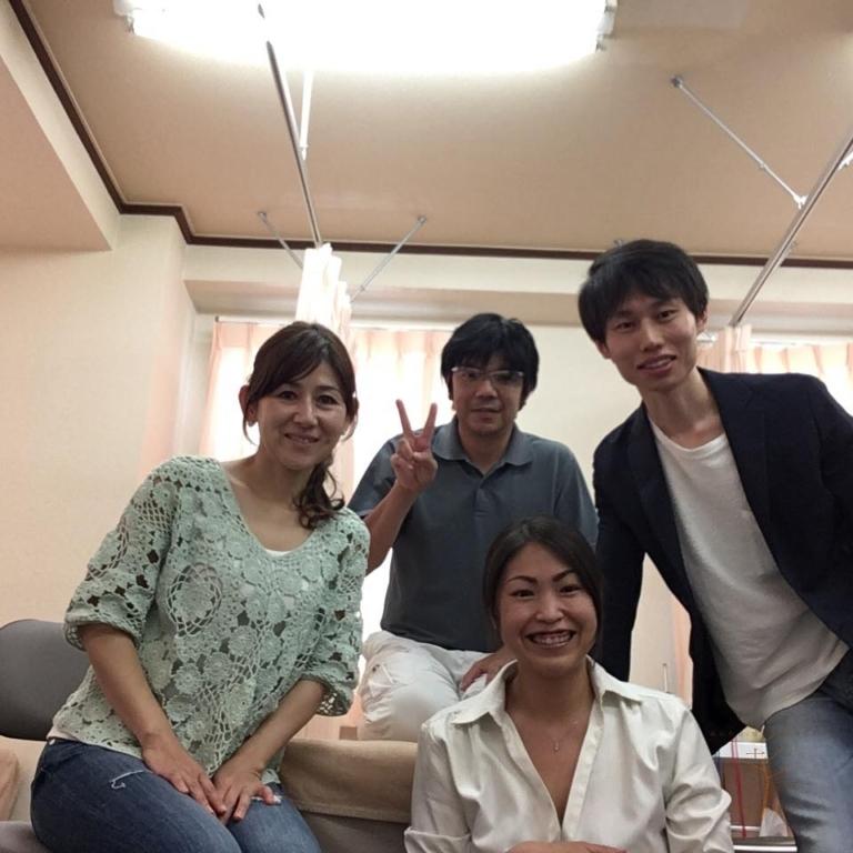 日本小児障がいマッサージ普及協会・関西支部会合の様子