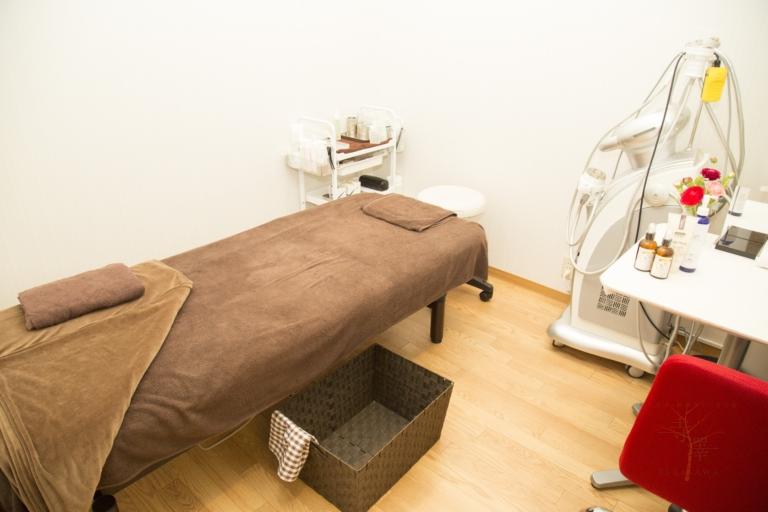 個室完備でアロマの香る美容鍼サロン・寺澤鍼灸整骨院